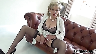 Unfaithful uk milf gill ellis showcases her huge tits